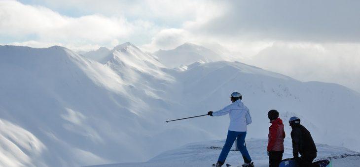 Modna i praktyczna kurtka na narty? To możliwe